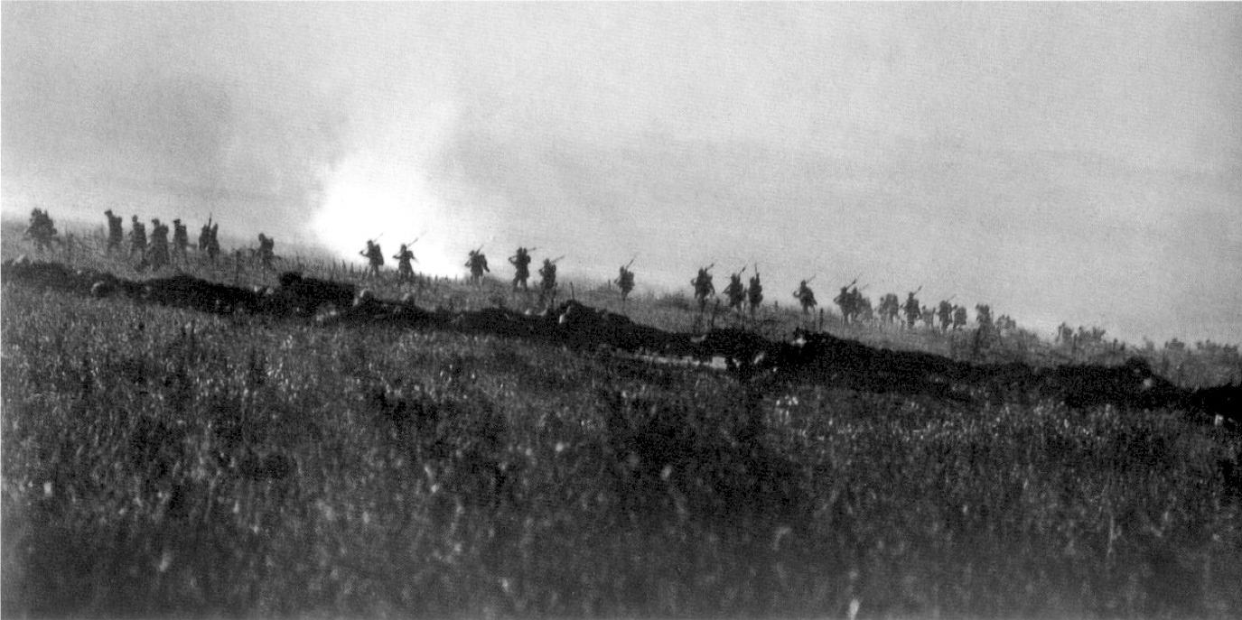 Troops fighting at the Battle of the Somme, July 1916
